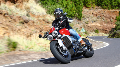 Triumph Rocket 3 - Fly me to the moon