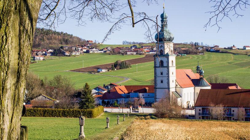 Motorradtour Bayerischer Wald Kirche bei Neukirchen