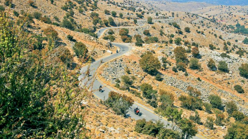 Traumstrecke von Anogia in Richtung Psiloritis, dem höchsten Berg Kretas.