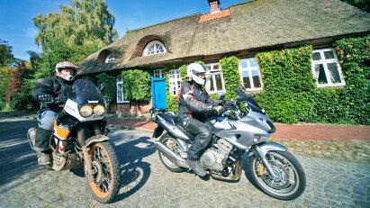 Auf Motorradtour im Norden Deutschlands: Aus der Lüneburger Heide zum Elbufer