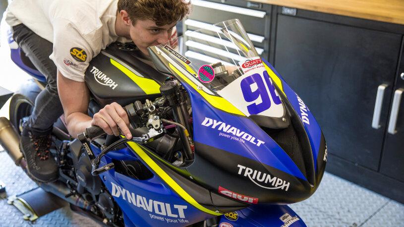 Dynavolt Triumph Street Triple 765 RS 2021