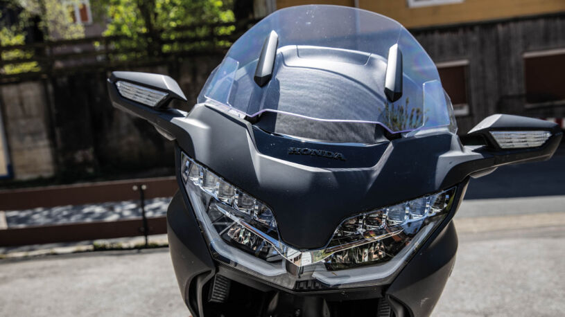 Honda Gold Wing DCT 2020 Front