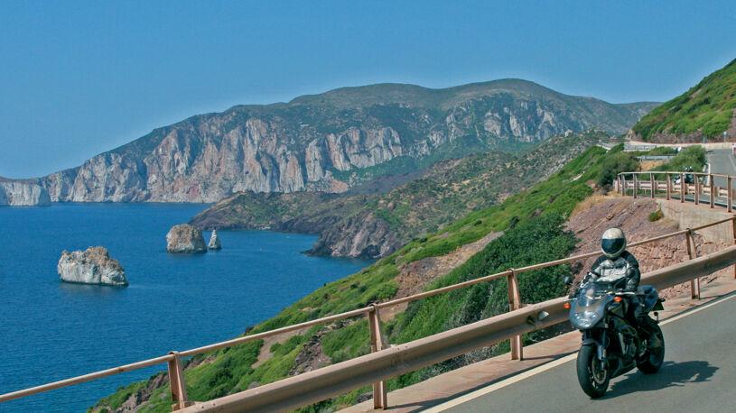 Panoramablicke wie in Baunei oder Urzulei begeistern mit purer Naturschönheit.