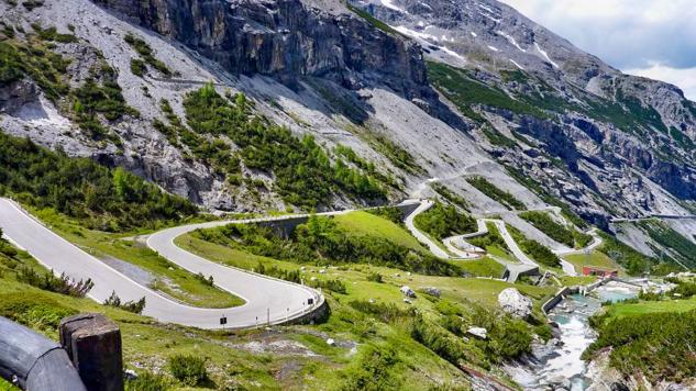 Motorradreise - 8 Tage : Dolomiten & Südtirol - Motorradeldorado in den Alpen